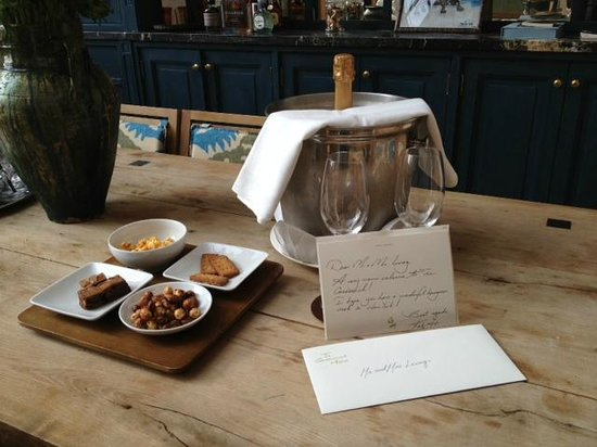 Greenwich Hotel: Our welcome champagne