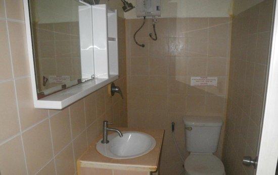 Phi Phi Dream: bathroom