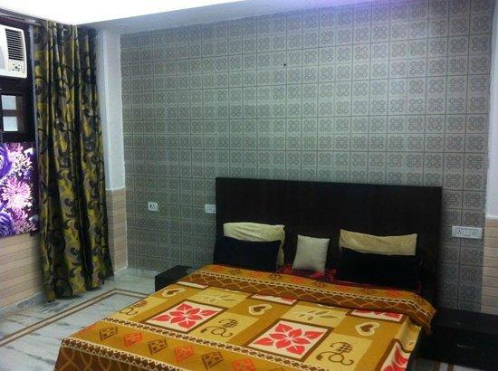 Divine Inn: deluxe rooms