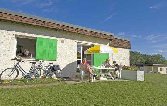 VVF Villages Châtel-Censoir : VVF Villages Chatel-Censoir : terrasse