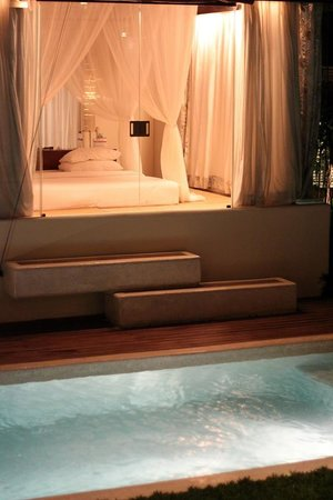Kiss Bali: View of bedroom from outside