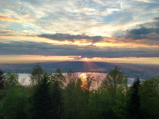 Quality Swisshotel Zug: Sunset from the Zugerberg hill