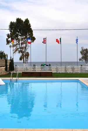 Thirides Beach Resort: swimming pool