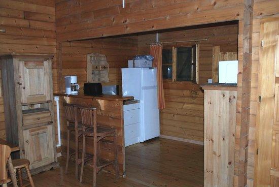 Camping U Prunelli : coin cuisine