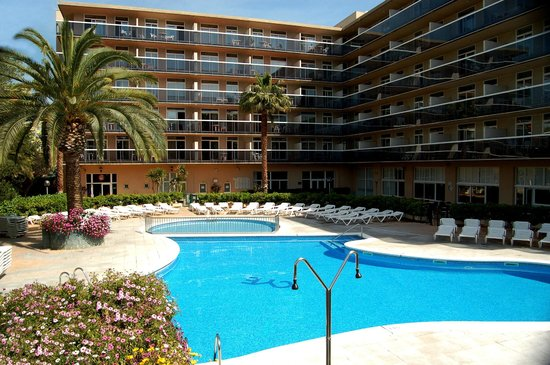 Photo of Aparthotel CYE Holiday Centre Salou