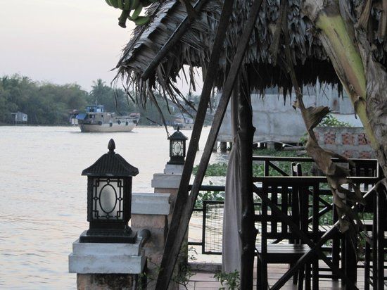 An Binh Hotel : View on the Mekong River from the hotel garden