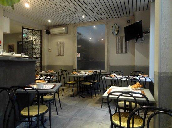 Hotel des Savoies Lyon: espace petit déjeuné