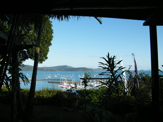 Whitsunday Moorings Bed and Breakfast: view from garden in fron of our room