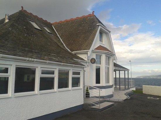 Henrys Bay House Restaurant: bayhouse front