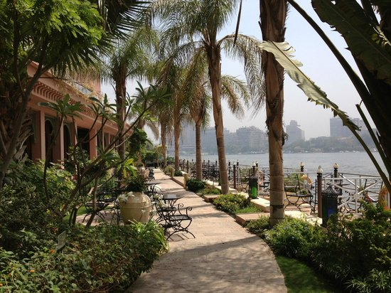 Sofitel Cairo El Gezirah: The hotel gardens