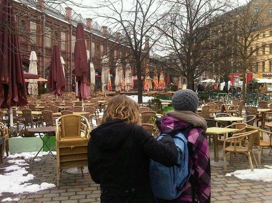 Ossena: Hackescher Markt covered with snow