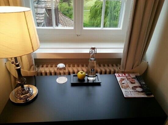 Schloss Huenigen : Zimmer3
