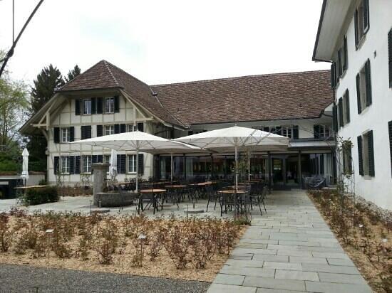 Schloss Huenigen : Park 2