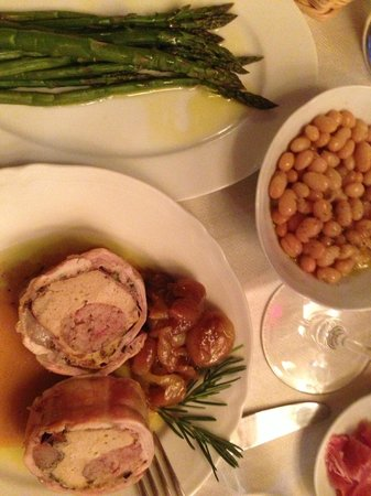 Cibreo: Dinner - rabitt stuffed with sausage, asparagus and white beans
