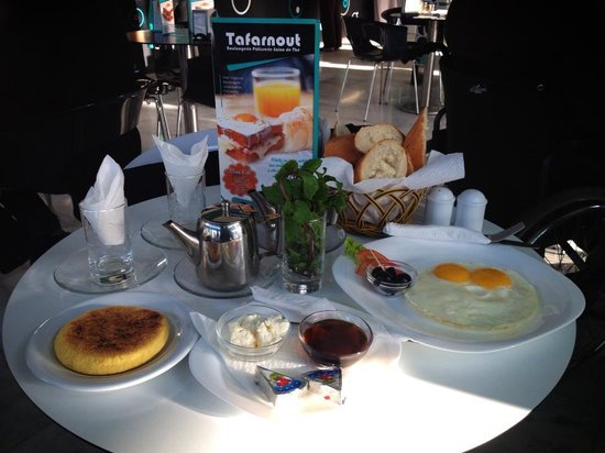 Patisserie Tafarnout: petit dejeuner