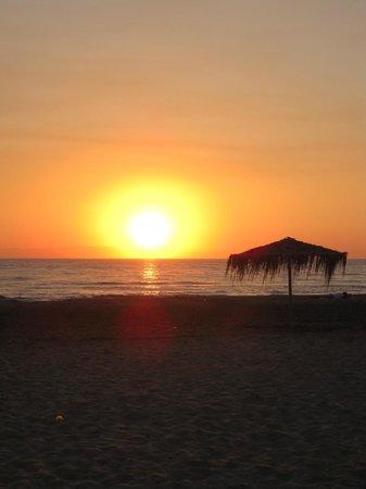 Camping Palouki : stunning sunset