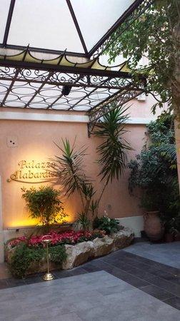 Hotel Palazzo Alabardieri: Entrée