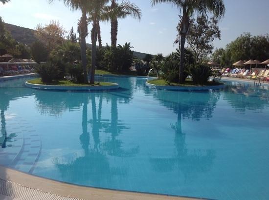Bodrum Holiday Resort & Spa: main pool area