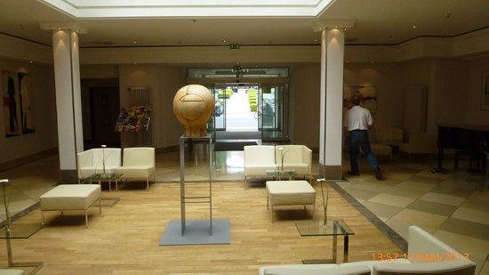 Hotel Kaiserin Augusta: Foyer