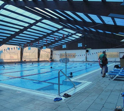 Kfar Maccabiah Hotel & Suites: One of the indoor pools