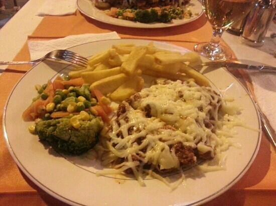 Toscana Beach: steak - with home made bolognese and melted cheese