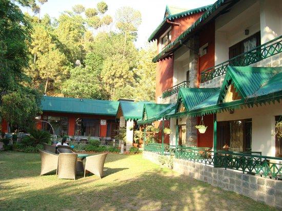 Hill 39 S Pride Resort Kasauli Himachal Pradesh Lodge Reviews Photos Rate Comparison