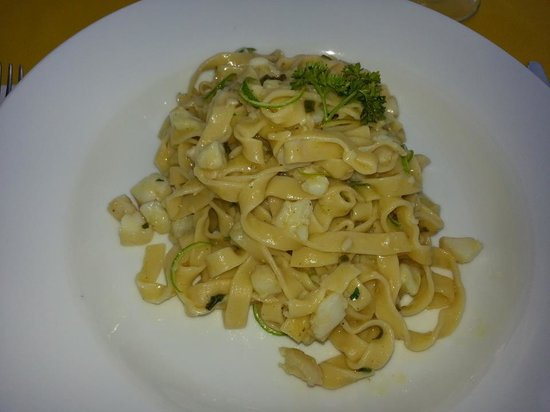 New Especias: Fettuccini with Lionfish and lime