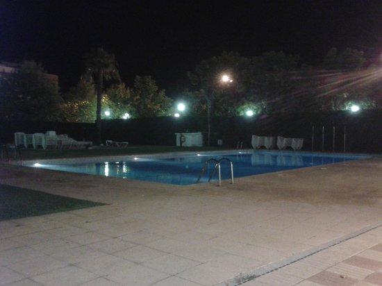 Hotel Marina Tossa: Piscina, muy bien cuidada. Muy limpia