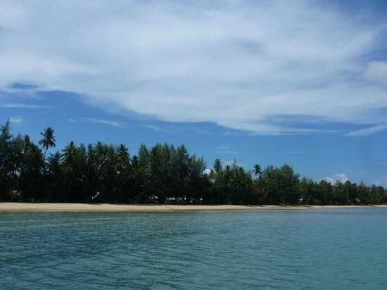 Koh Mak Resort: the beach