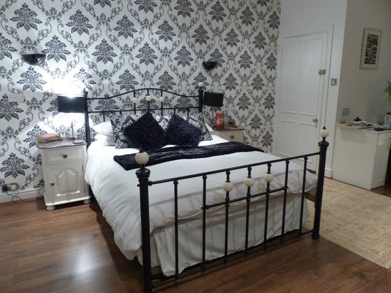 Collin House Bed & Breakfast: The Windrush - Superior Double
