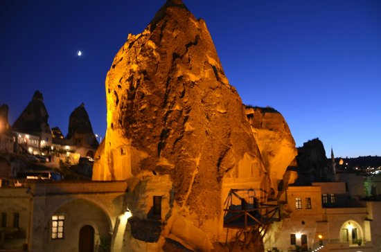 Cappadocia Cave Suites: Fairy Chimney