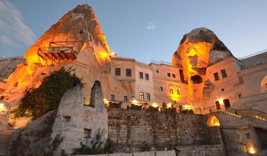 Cappadocia Cave Suites: Restaurant Terrace