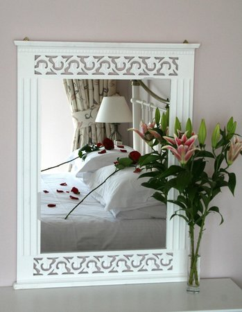 The Lugger Hotel: Hotel Bedroom