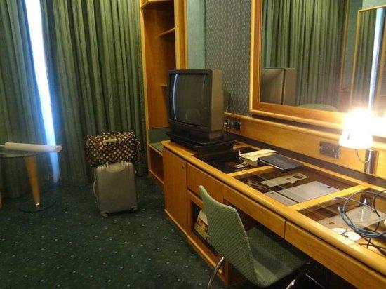 Brunelleschi Hotel: 家具は少し古めかしい