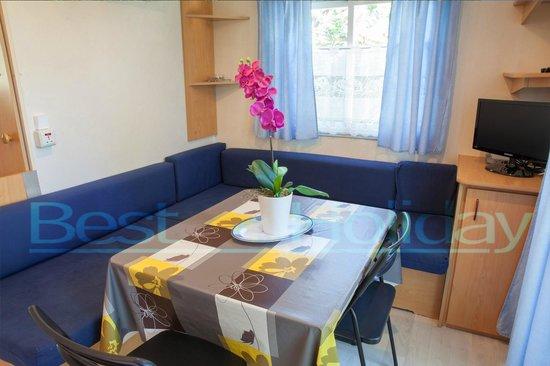 Best Holiday Resort: Luxe Living room