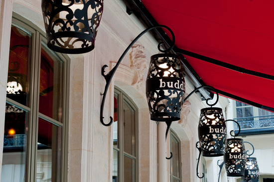 Buddha-Bar Hotel Paris : Large & Lush Courtyard 200sqm