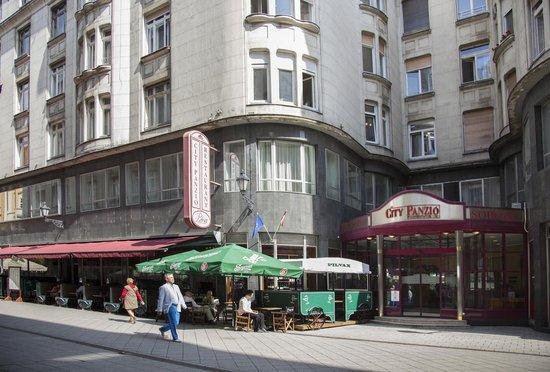 City Hotel Pilvax Budapest Hungary