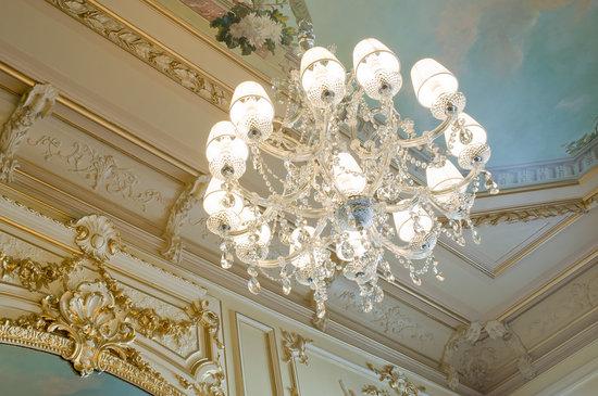 Buddha-Bar Hotel Paris : La Suite de Gagny - Ceiling frescos