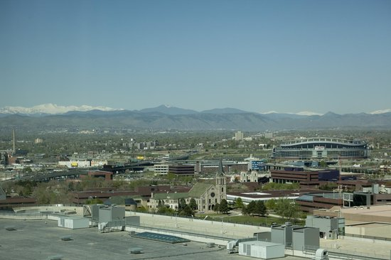Hyatt Regency Denver At Colorado Convention Center: View from Room 1636