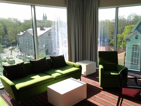 Park Inn by Radisson Meriton Conference & Spa Hotel Tallinn : Suite number 5044 with nice view.