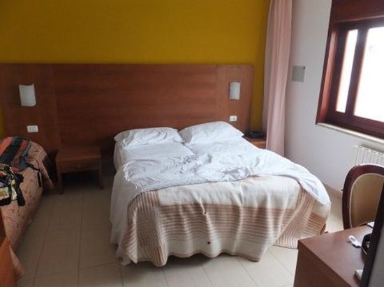Hotel Alceste : Zimmer