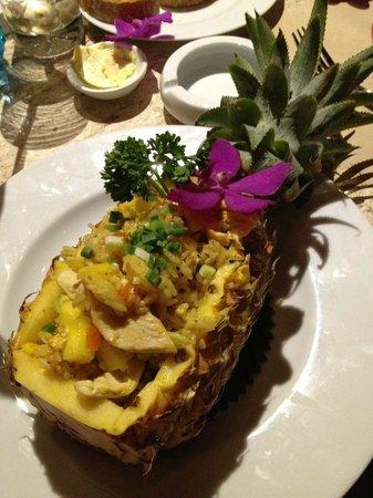 Rendez-Vous Wine Dine Coffee: riz-poulet et ananas