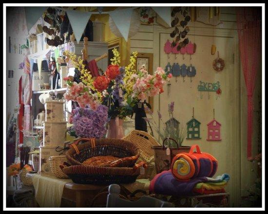 Pauline's Patch : Gift Shop Surroundings