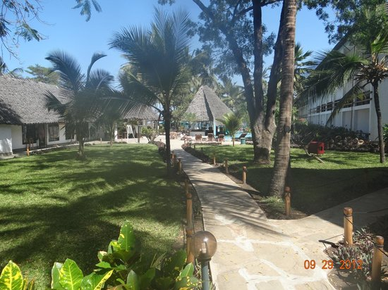 Travellers Beach Hotel & Club: Travellers Beach in the grounds