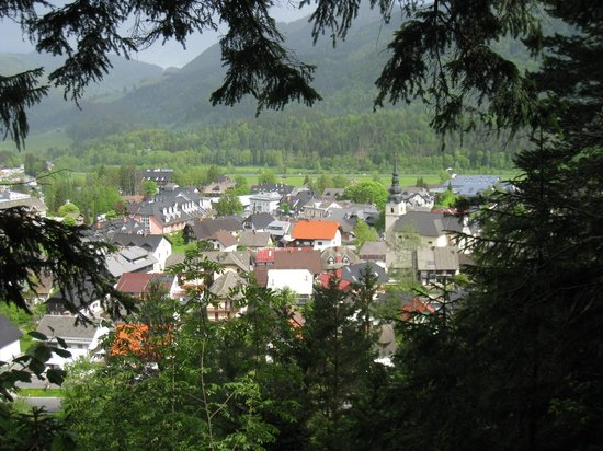 Hotel Kompas: Kranjska Gora from hills above.