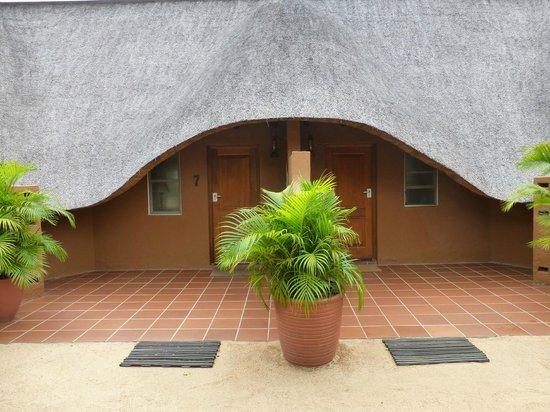 MalaMala Main Camp: entradas a las abitaciones