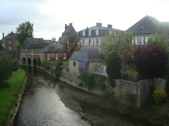 Best Western Le Moulin De Ducey: Vista maravilhosa do quarto