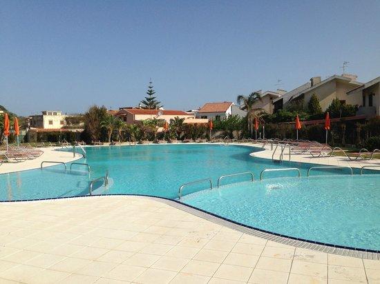 Торре-Фаро, Италия: Бассей отеля