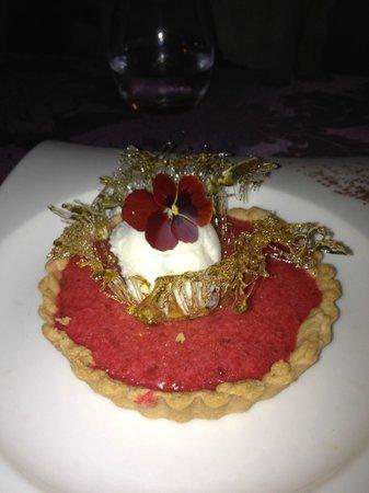 La Table Du Moulin : Unbeliveable delicious dessert at a unbelievable low price.