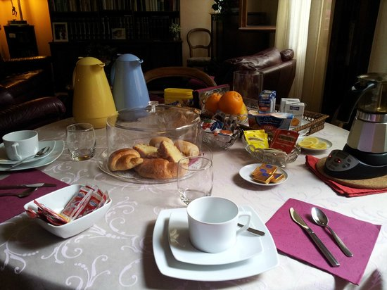 Alle Fondamente Nuove: nice spread of breakfast